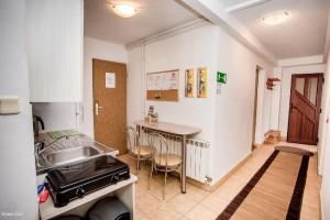 parter - korytarz i zaplecze kuchenne
